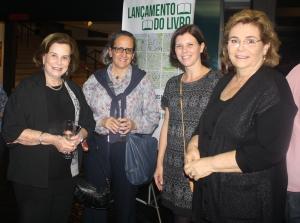 Em sentido horário: xxxx, Ana Cecília Campos e Márcia Kalvon Woods (coautoras do livro) e Maria Helena Bueno, presidente da SAAP